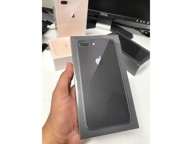 Apple iPhone 8 Argent Gris Sidéral Or 64Go €460 iPhone 8 Plus 64G €550