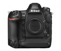 Nikon D6 DSLR Camera / Canon EOS-1D X Mark III